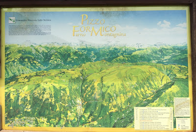 A sign at Rifugio Parafulmine describing the area Pizzo Formico, Pizzo Farno, and Pizzo Montagnina.