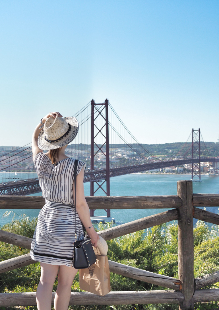 Pont du 25 avril à Lisbonne au Portugal