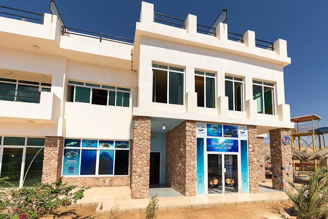 Centro de buceo Camel Dive Center, Aqaba, mar Rojo, Jordania