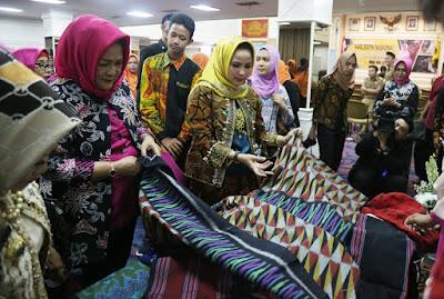 Ketua Dekranasda Lampung Imbau Masyarakat Lestarikan Batik Khas Lampung