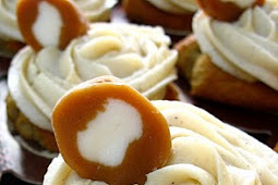 Banana Cupcakes with Browned Butter Cream Cheese Frosting