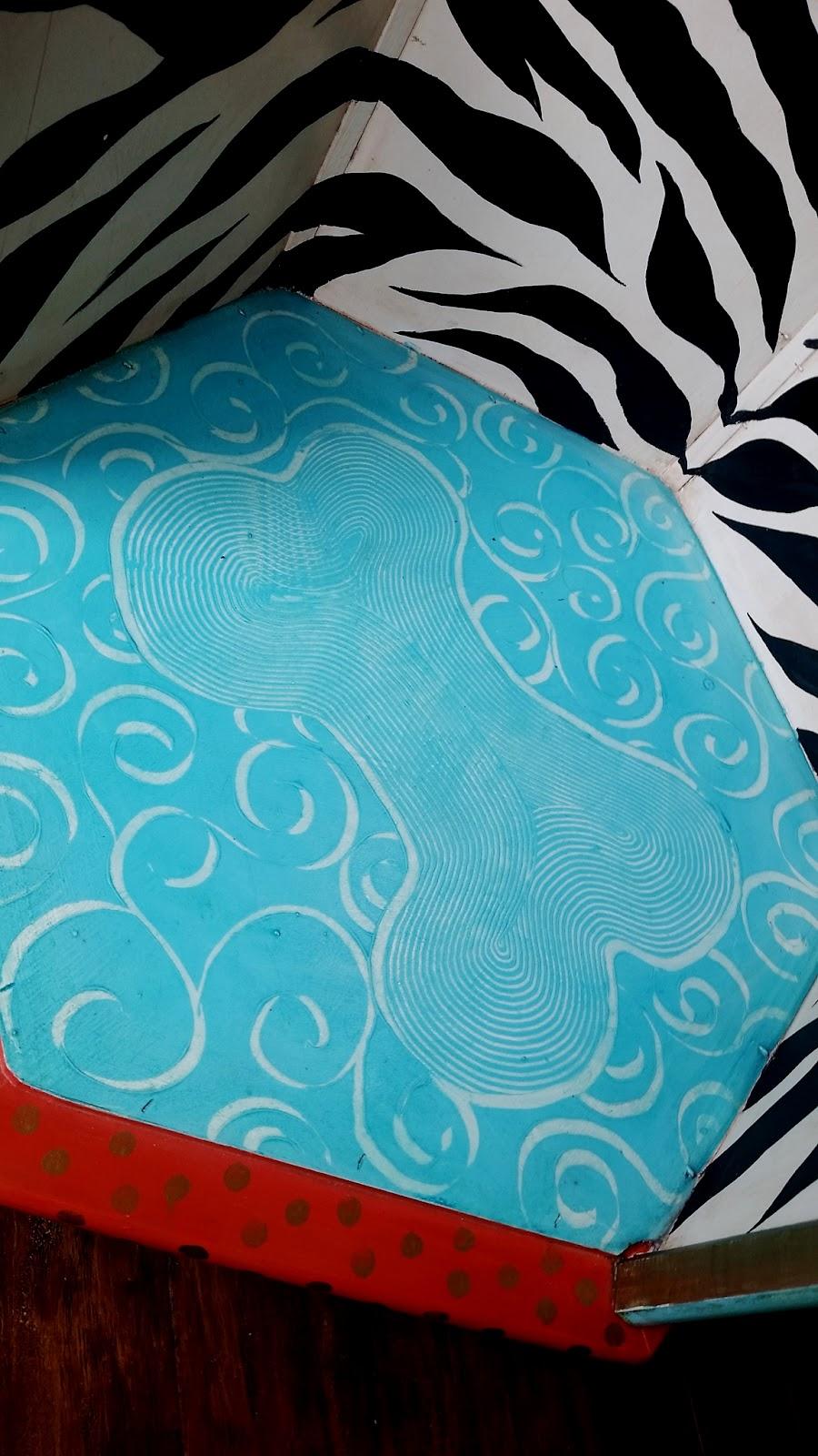 hand painted bone print dog bed