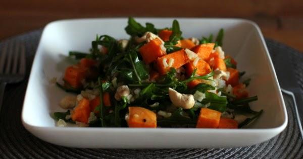 salat mit ger steten s kartoffeln naturreis und rucola mit zitronen oliven l dressing. Black Bedroom Furniture Sets. Home Design Ideas