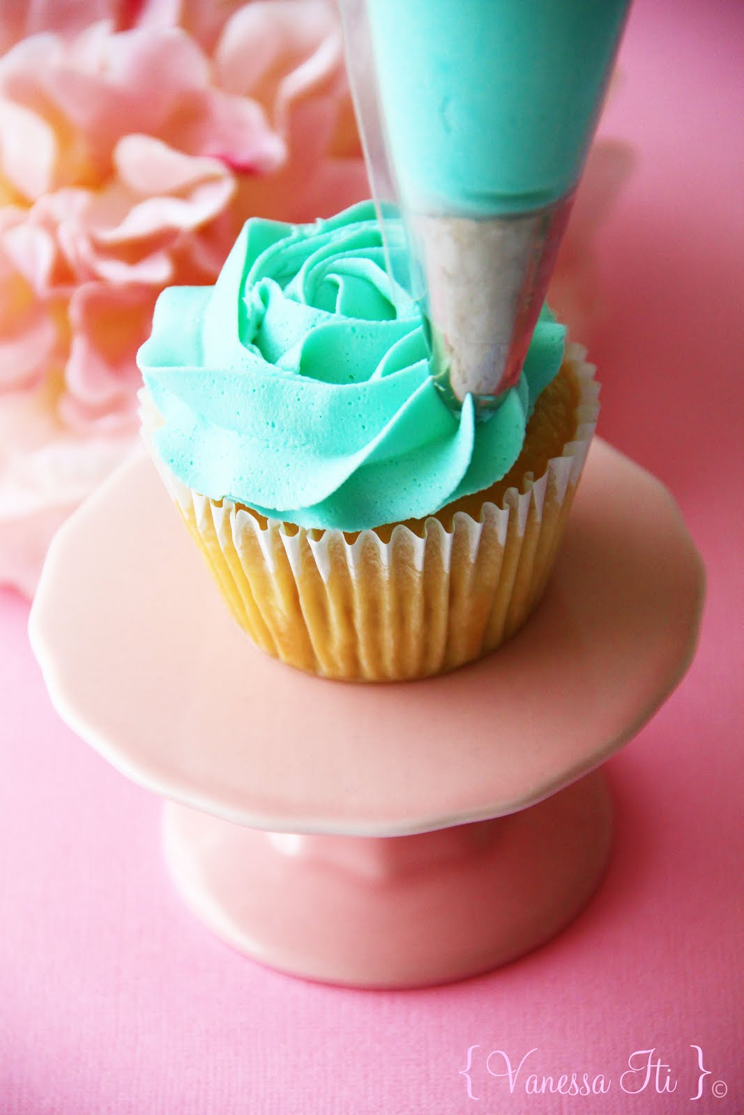 Image How To Swirl Rose Cupcake Decoration Download