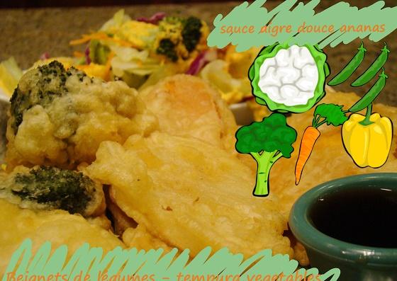 légumes frits, sauce aigre douce à l'ananas, végétarien