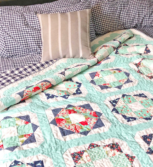 Sunny Day quilt by Jessica Dayon found on A Bright Corner - pattern from the Fresh Fat Quarter Quilts Book by Andy Knowlton