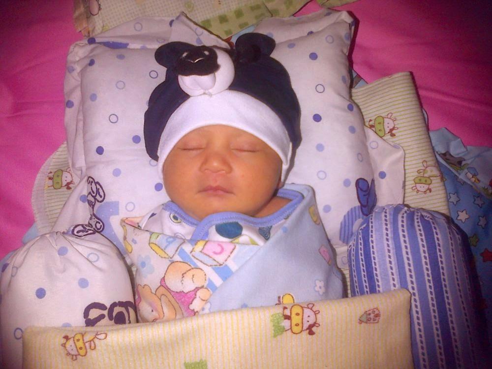 Gratis gambar bayi lucu baru lahir usia 1 minggu