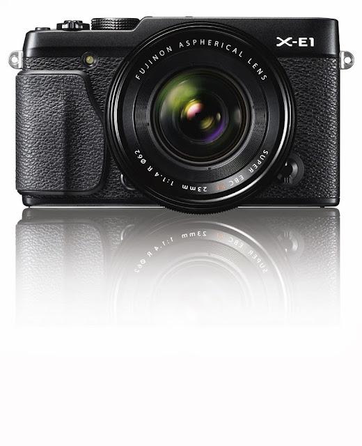 Fotografia della Fuji X-E1 nera con il FUJINON XF23mm F1.4 R