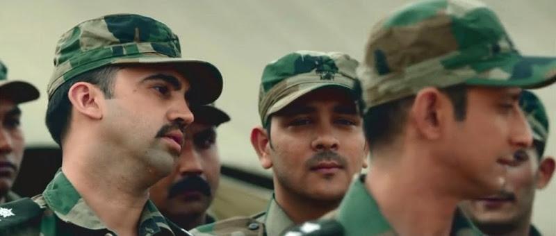 Screen Shot Of Hindi Movie War Chod Na Yaar (2013) Download And Watch Online Free at worldfree4u.com