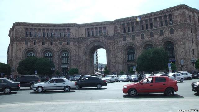 La oposición exigió la renuncia del alcalde de Ereván