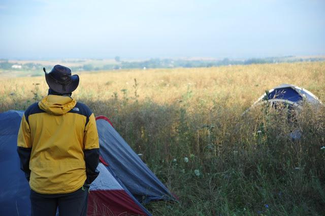 divje kampiranje, Ukrajina, žitno polje