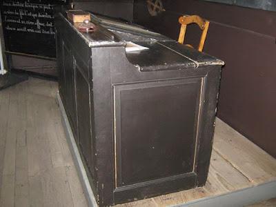 Bureau du maître vers 1890 (collection musée)