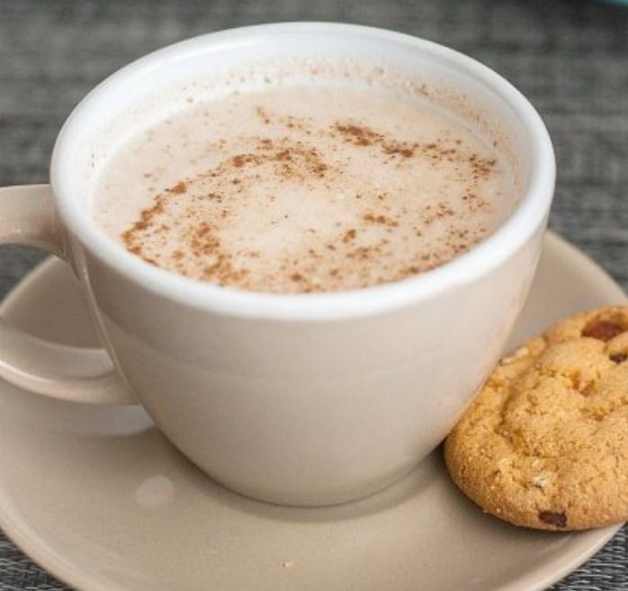 Healthy Copycat Starbucks Gingerbread Latte #warm #drinks