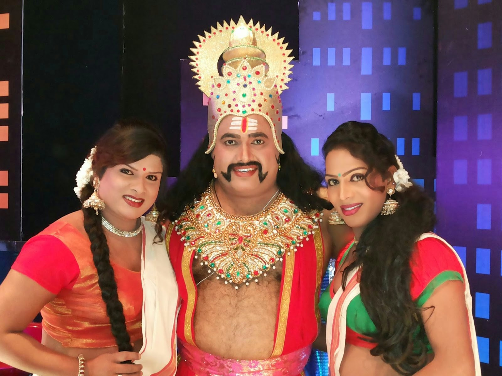 Crossdressing in ramlila
