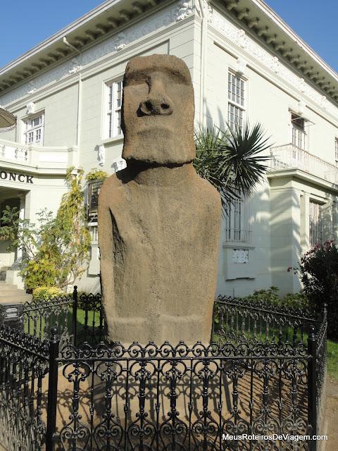 Moai da Ilha de Páscoa no Museo Fonck - Viña del Mar, Chile
