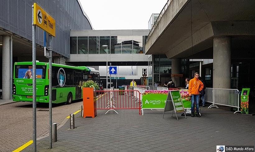 Ônibus do aeroporto para Keukenhof, Holanda