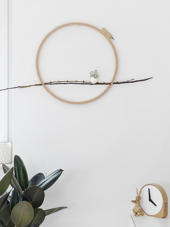 DIY-Oster-Wanddeko mit Stickrahmen und Metallringen | Fotoaktion #12von12 und 1 Tag in 12 Bildern | https://mammilade.blogspot.de