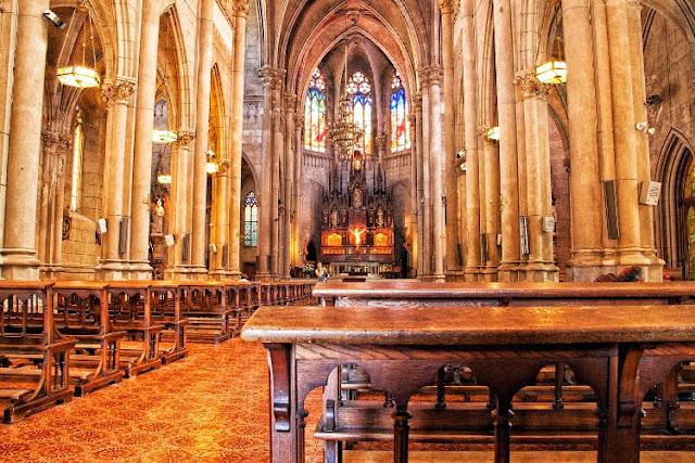 Interior de la Catedral de Mar del Plata