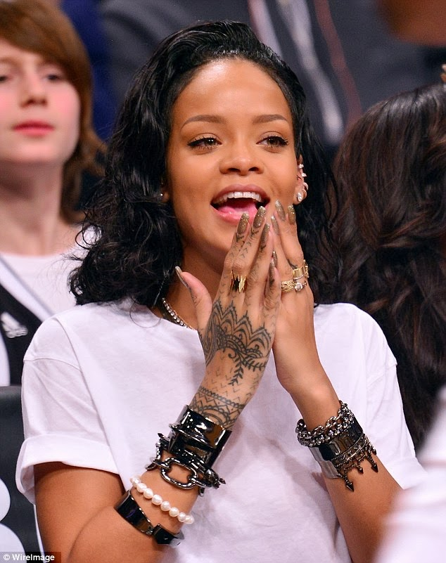 Tattoo Train Rihanna Tattoos And Her Biography She Is One