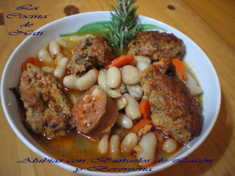 La cocina de nati alubias con bu uelos de lac n y berenjena - Calorias alubias cocidas ...