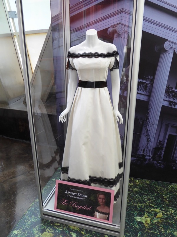 Kirsten Dunst Beguiled film costume