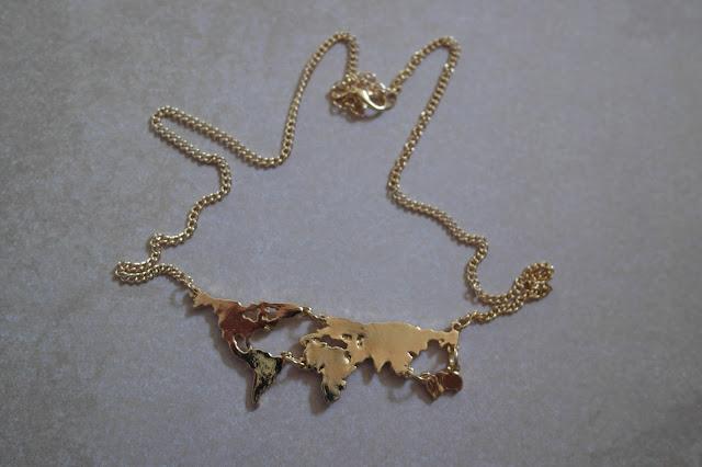 http://www.neejolie.fr/collier-bijoux-accessoires-dcoration-carte-monde-p-30740.html