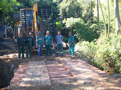 Cajati finaliza três obras de melhorias Moradores dos bairros Barra do Azeite, Cortesias