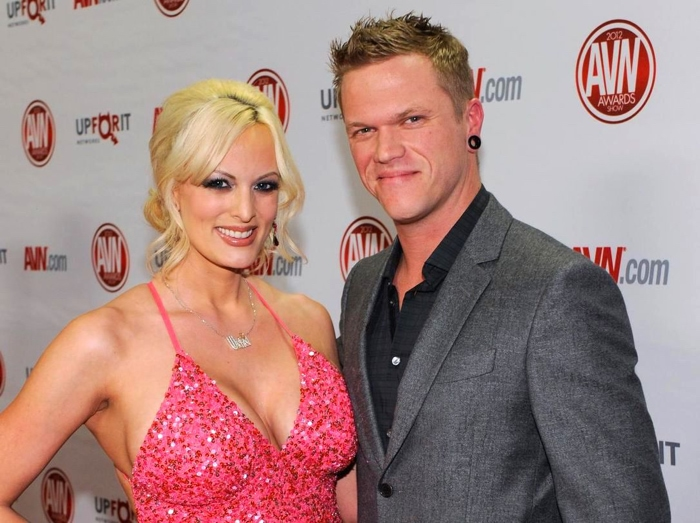 La actriz porno Stormy Daniels y su esposo Glendon Crain