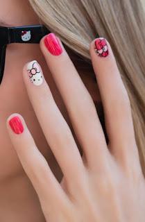Gambar Nail Art Hello Kitty yang Cantik 6