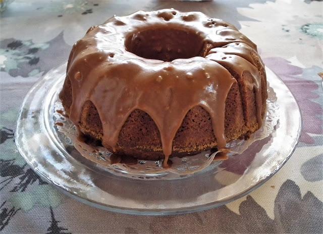 Arabialainen, maustekakku, kakku, suklaakuorrutus, pääsiäinen