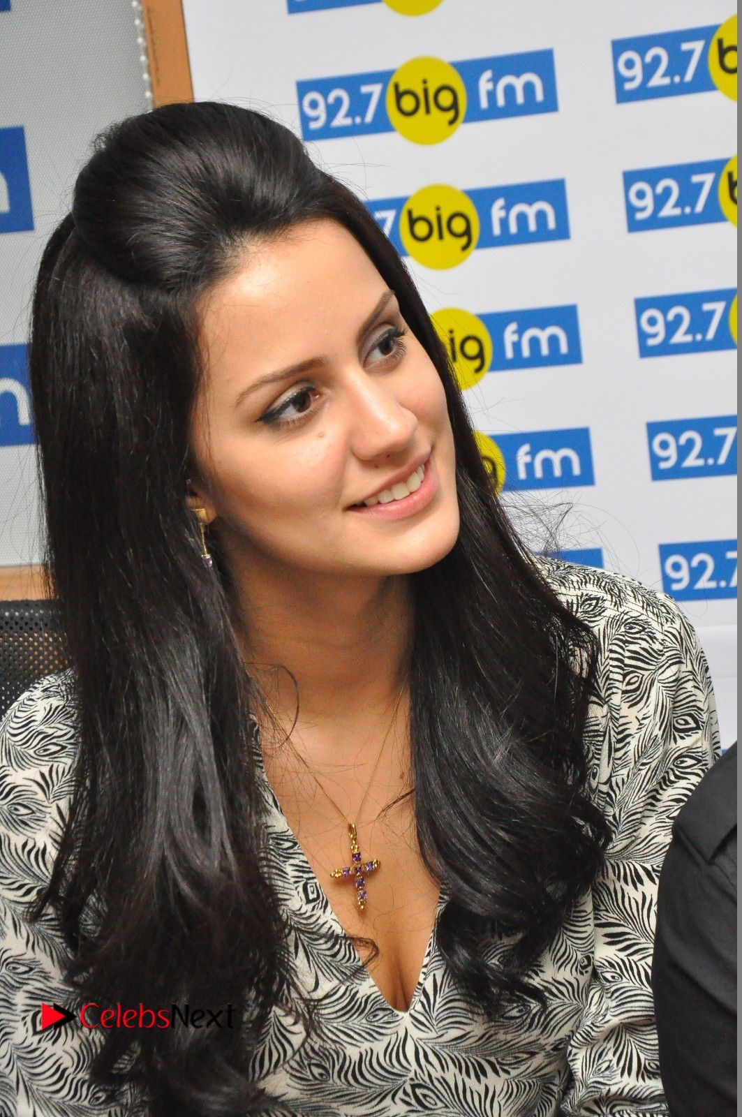 Larissa Bonesi Pictures in Jeans at Big FM For Thikka Movie Promotions ~ Celebs Next