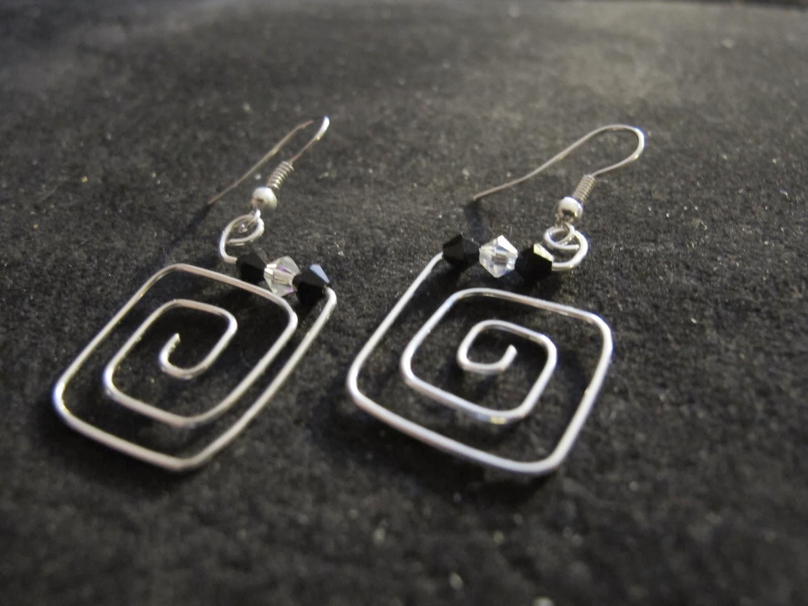 Naomis Designs Handmade Wire Jewelry Silver