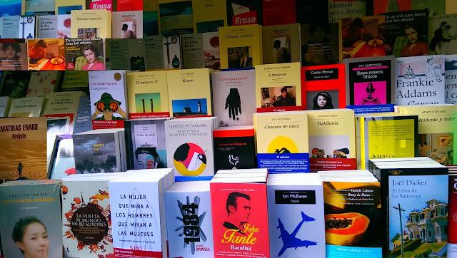 Libros en la Rambla de Cataluña, Barcelona
