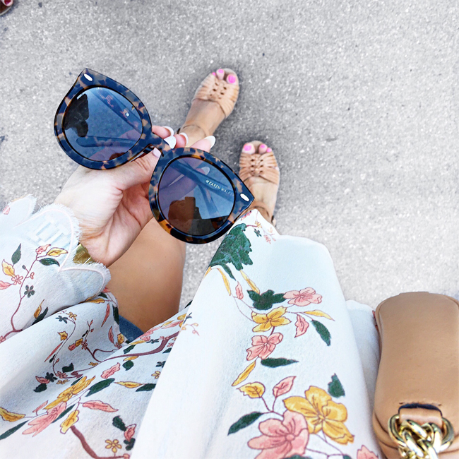 pardon muah, fashion, style, floral bell sleeve top, tortoise sunglasses