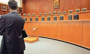 Εκτός συνταγματικών ορίων η αύξηση του ορίου ηλικίας αποχώρησης των δικαστικών λειτουργών.