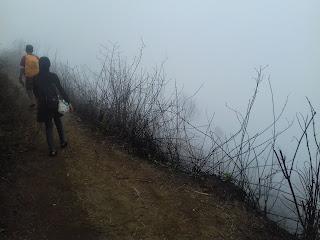 Wisata naik gunung andong magelang jawa tengah