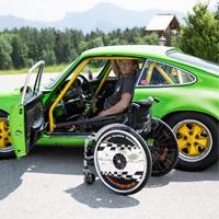 Engelli Mekanik Ustası, Elle Kontrol Edilen (Pedalsız) Porsche 911 Geliştirdi (Video)