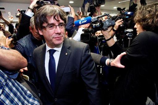 Fiscalía española pide prisión para todo el Gobierno de Cataluña41