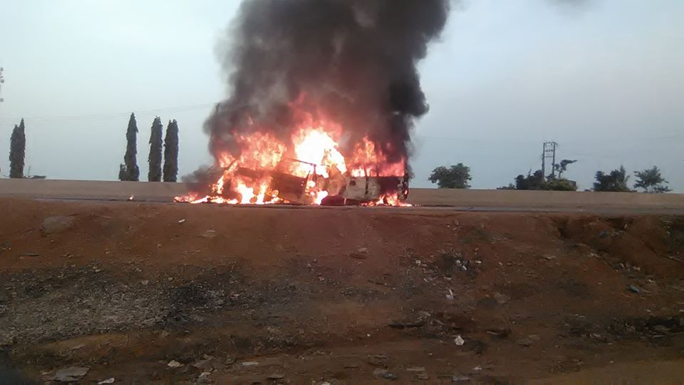 26 people burnt to death in Nigeria bus accident