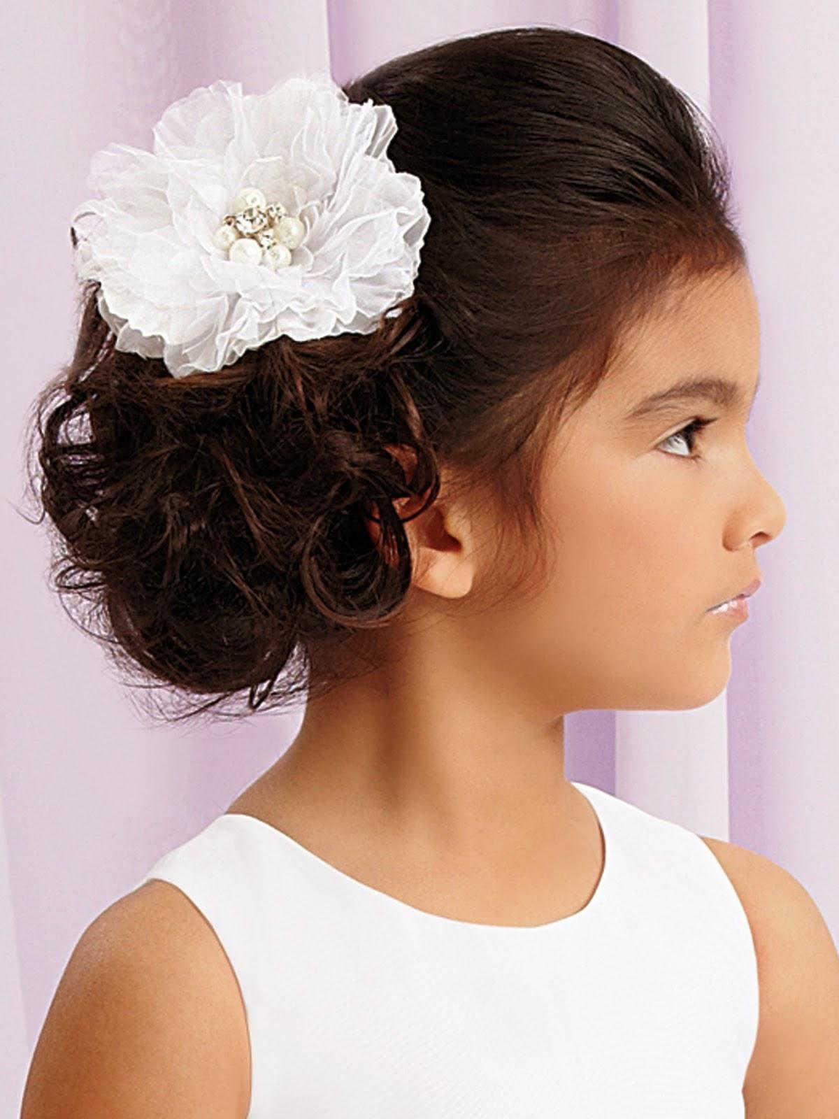 Ideas de estilo para peinados comunion Fotos de las tendencias de color de pelo - Moda Cabellos: Peinados de niñas en su Primera comunión - 2014