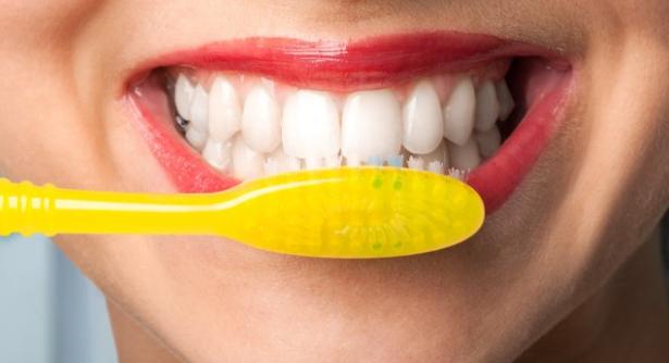 Gigi Kuning? Ini 6 Cara Memutihkan Gigi Secara Alami