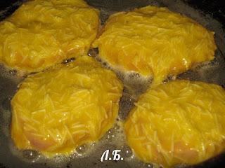 обжариваем ветчину в сырном кляре