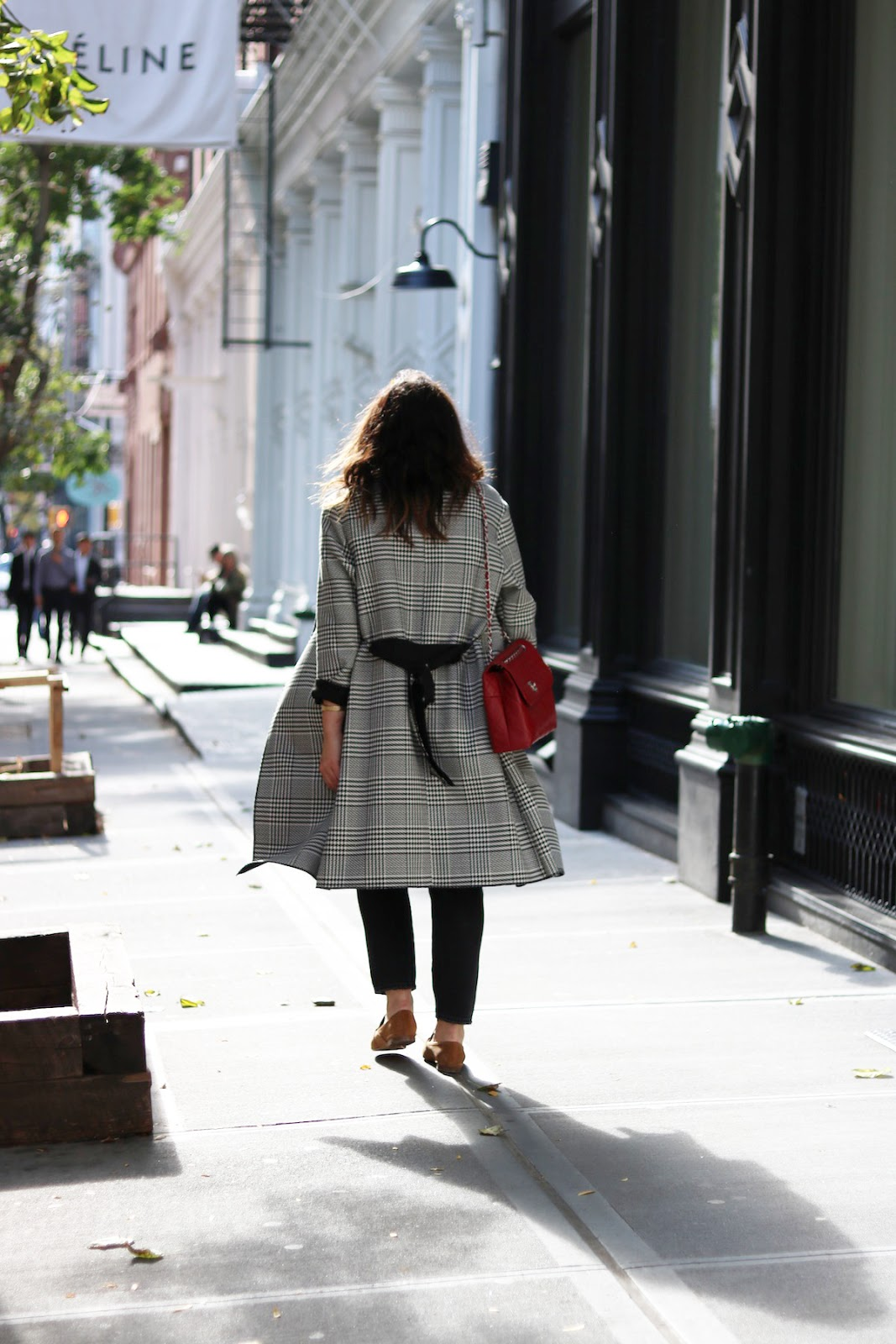 Le Chateau houndstooth trench coat outfit vancouver fashion blogger new york soho levi's wedgie jeans