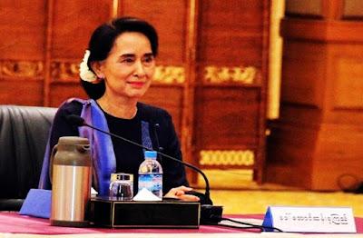 semakin tersudut, di mana para pemimpin sejumlah negara menekannya untuk menghentikan kekerasan di negara bagian Rakhine