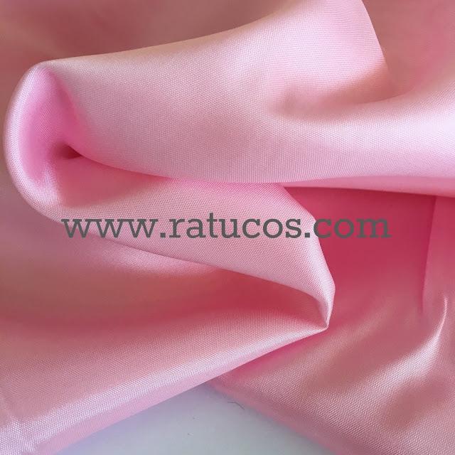Forro de raso en color rosa