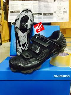 Sepatu Sepeda Shimano XC31 Black