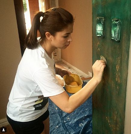 THROWBACK: Must See Photos Of Angel Locsin Doing Some Chores And Manly Works At Home!