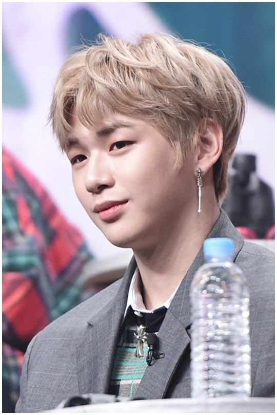 Kang daniel proves people are wrong kpopbehind l all the stories wanna one is certainly creating a sensation in the k pop world the handsome 11 members who once were trainees of produce 101 season 2 are enjoying huge stopboris Images