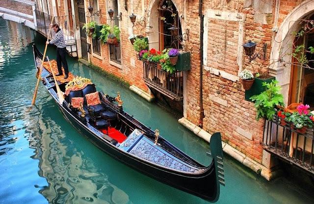 Passeios de gôndola em Veneza