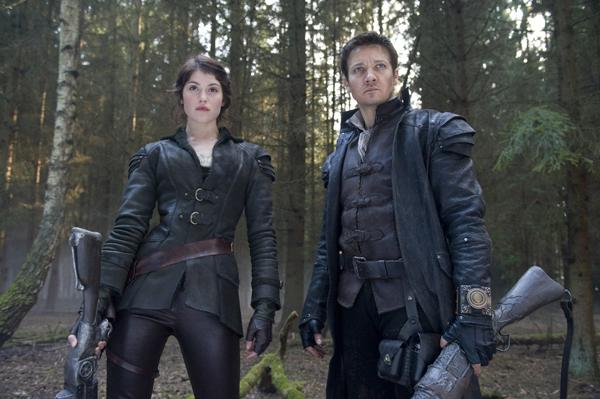 Jeremy Renner y Gemma Arterton se convierten en Hansel y Gretel en 'Hansel y Gretel: Cazadores de brujas'